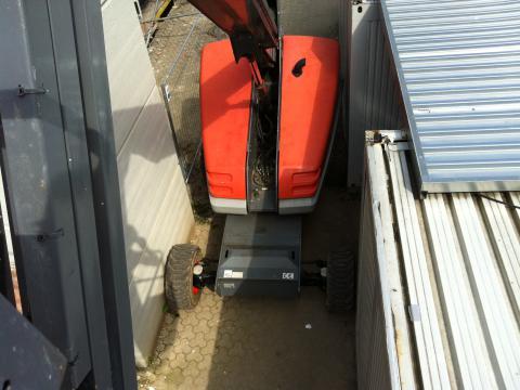 Hubsteiger - 25m Arbeitshöhe