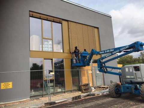 Montage Raffstoren E60A6S Zweifeldsporthalle in Weimar
